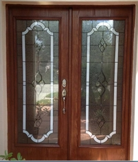 China Elegant design of beveled glass in wood door supplier